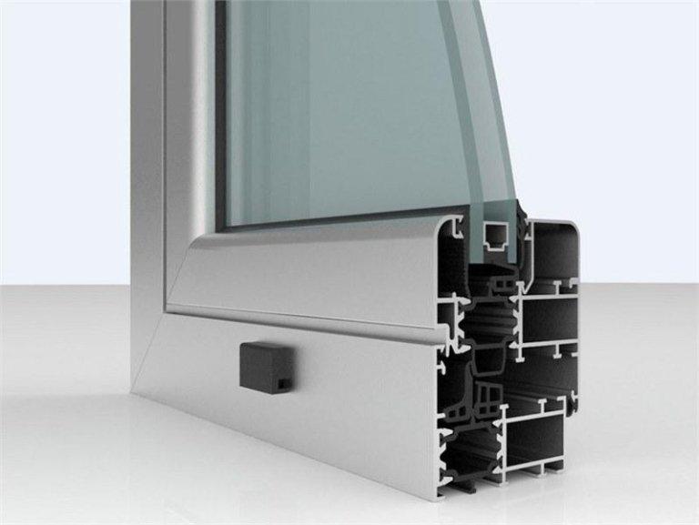 Profilo in alluminio a taglio termico