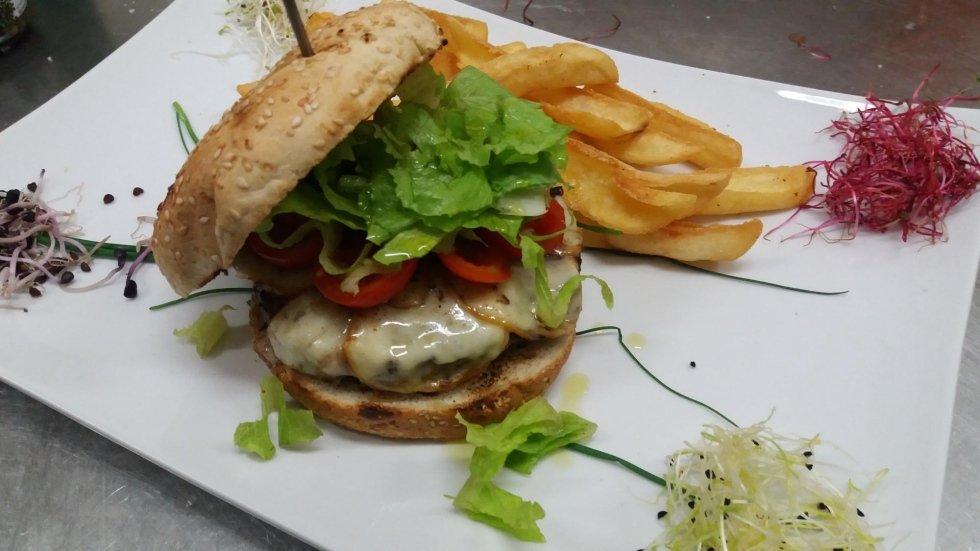 hamburger-ristorante-pizzeria-tivoli-Il-Pergolato