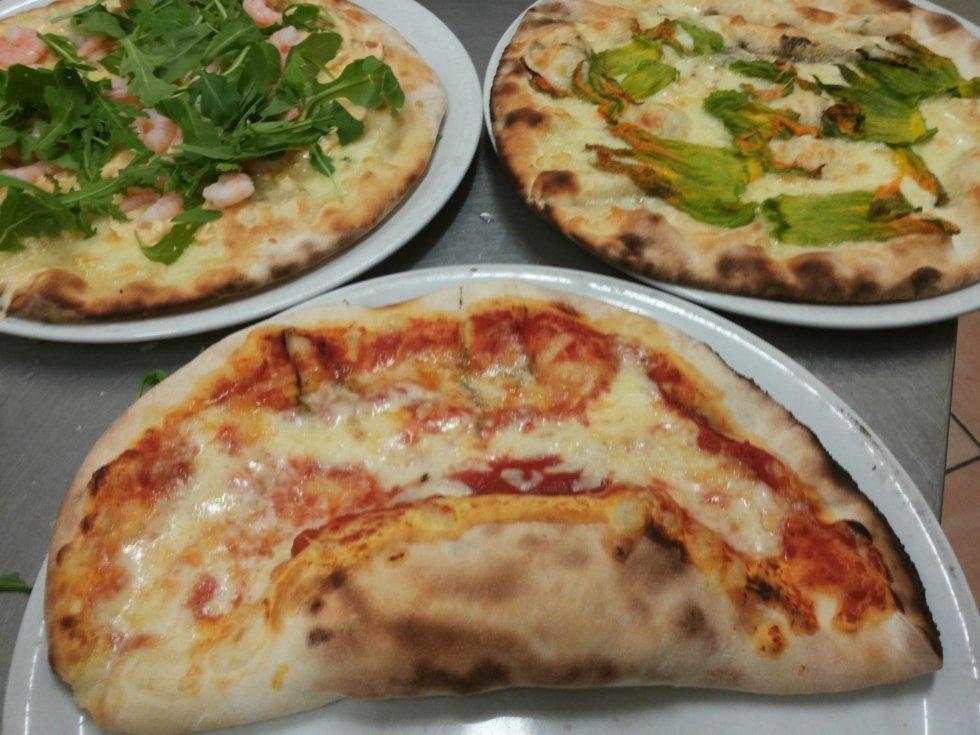 pizza occhiolino con ricotta e spinaci