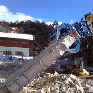 Demolizione capannoni industriali