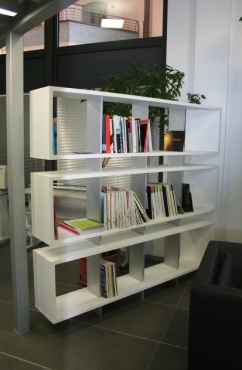 scaffalatura per ufficio moderno