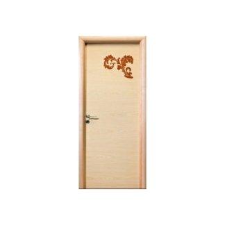 porta bianca con decorazione