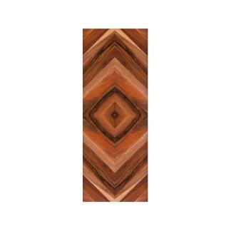 pannello in legno con motivo geometrico