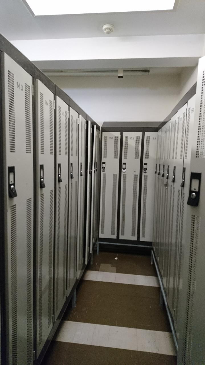 Used Metal Lockers