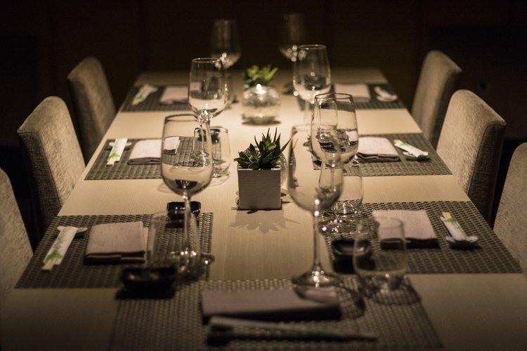 tavola imbandita al ristorante