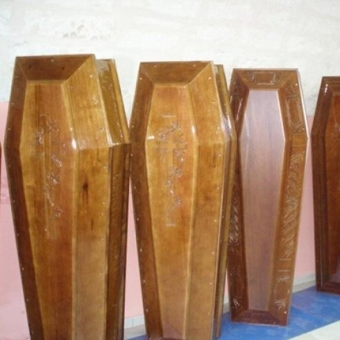 confani funebri con intarsi decorativi