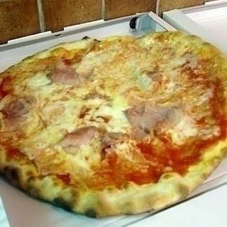 Pizza prosciutto genova