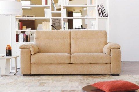 BRANDO è un divano letto matrimoniale versatile