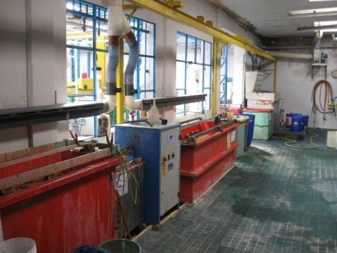 macchinario industriale per trattamento metalli