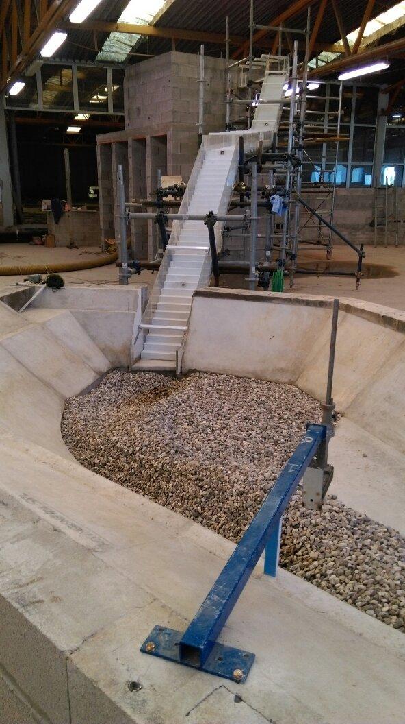 Riproduzione di fondale di fiume per modello idraulico in scala