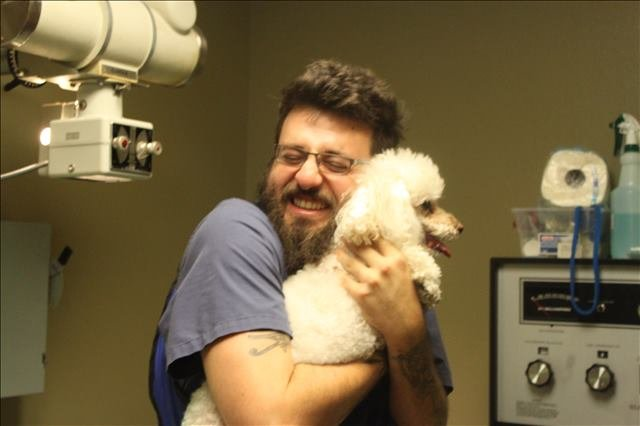 a veterinary technician at Lakeside Animal Clinic in Houston