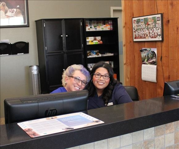 Lakeside Animal Clinic receptionists