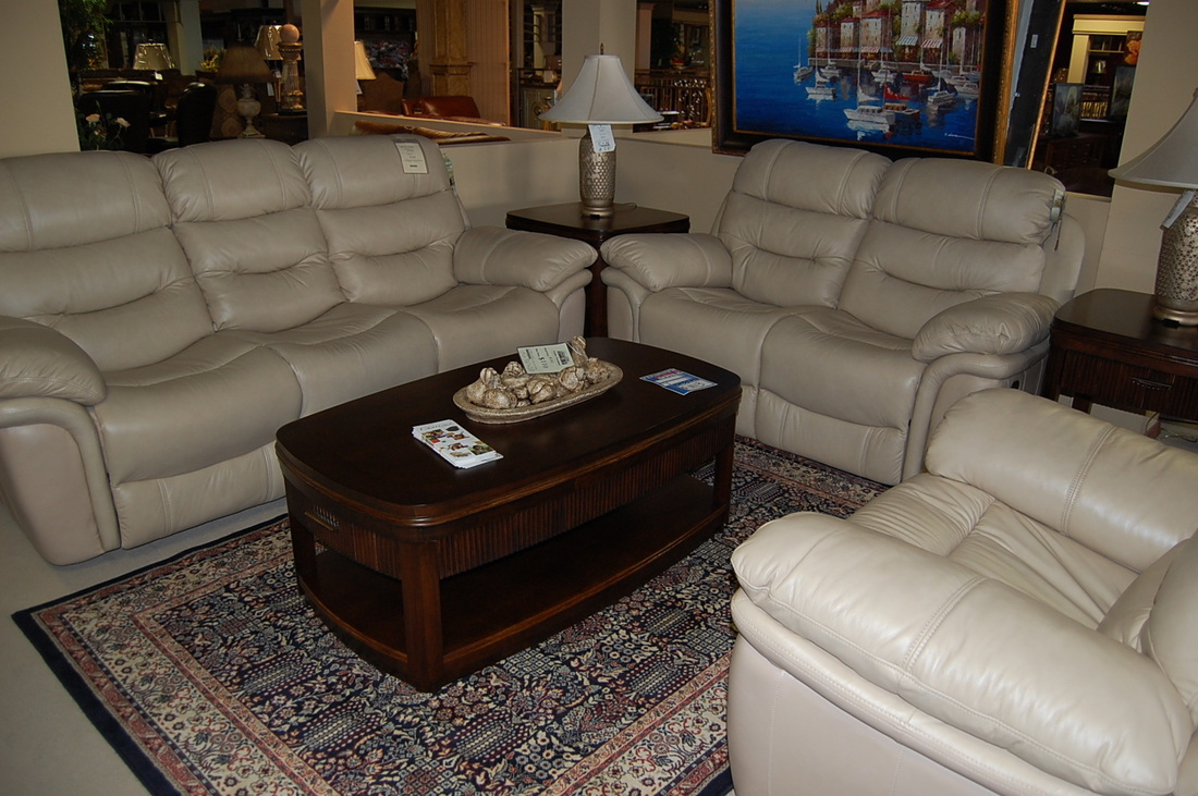 Castle fine furniture houston tx leather living rooms for Room smart furniture houston