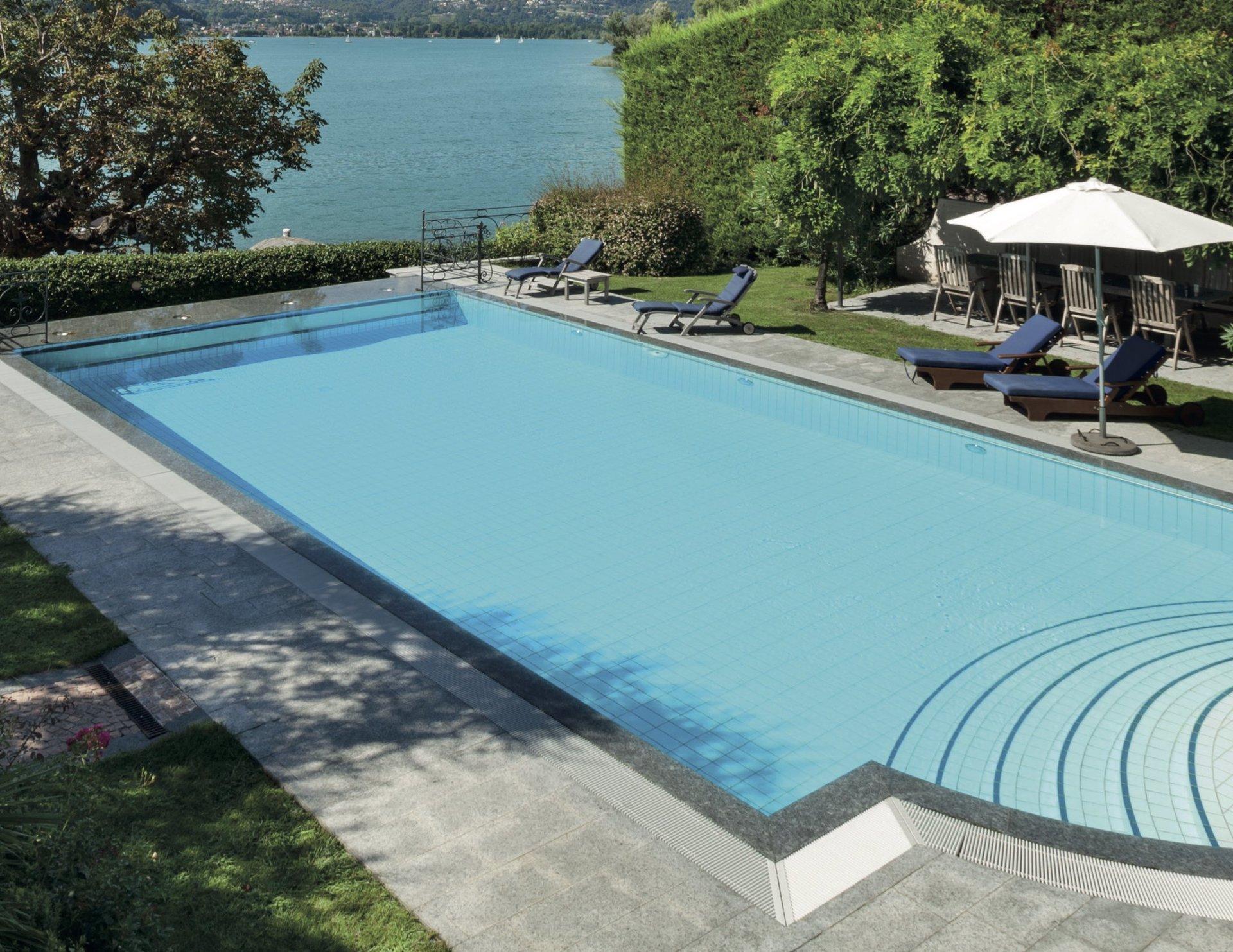 Costruzione piscine interrate e fuori terra asti progetto - Piscina in lamiera ...
