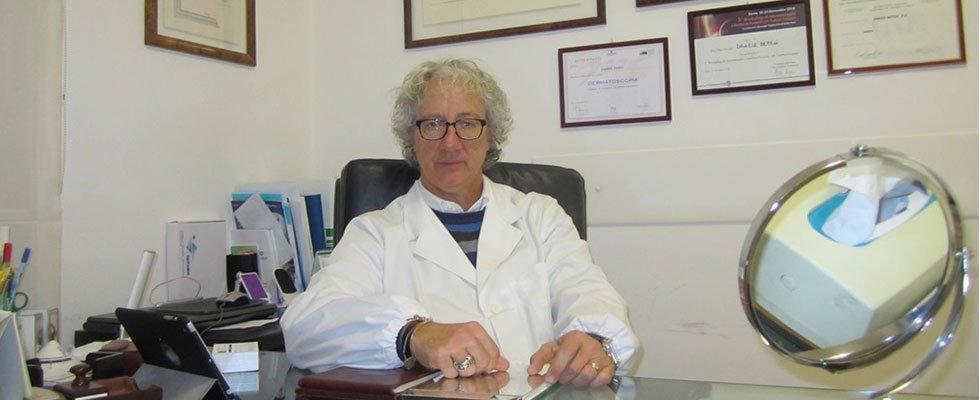 dermatologo nello studio