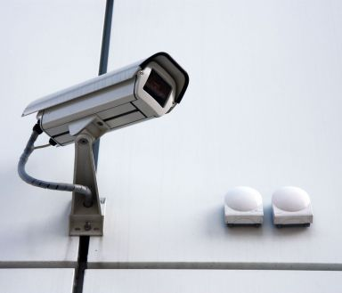 A security camera offering 24 hour monitoring services in Snowflake, AZ