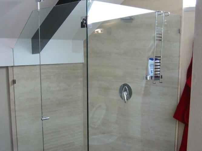 Box doccia ad ante a battente
