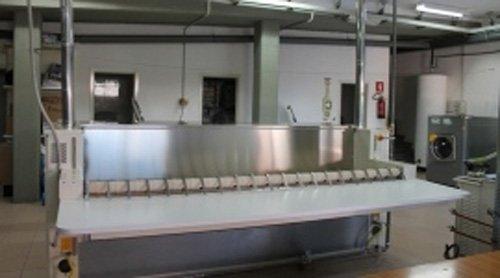 macchinari di una lavanderia industriale