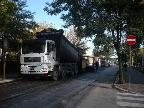 camion trasporto asfalto