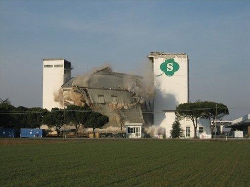 demolizione mangimificio zanelli