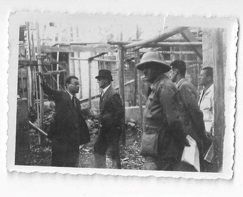 soldati lavori minareto e moschea