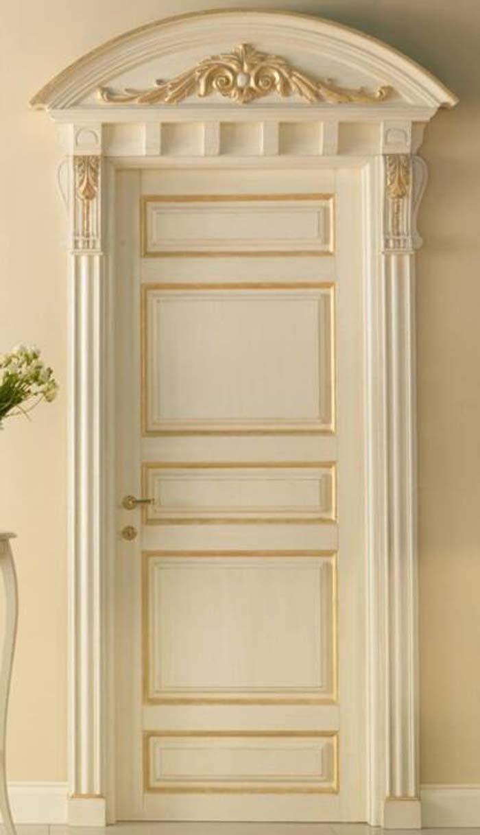 porta in legno con disegno