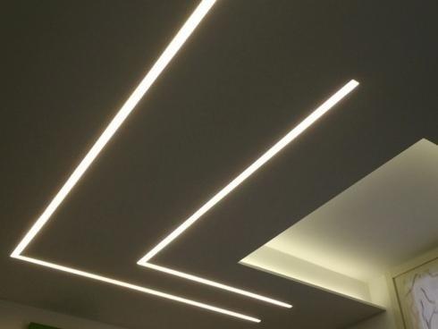 Illuminazione soffitto tagli luce