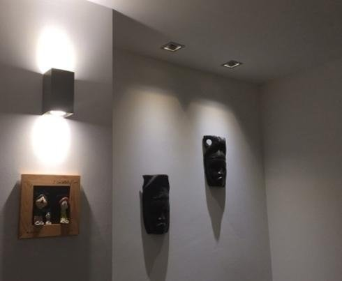 Applique a muro per esposizioni