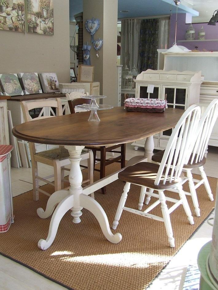 tavoli e sedie in legno