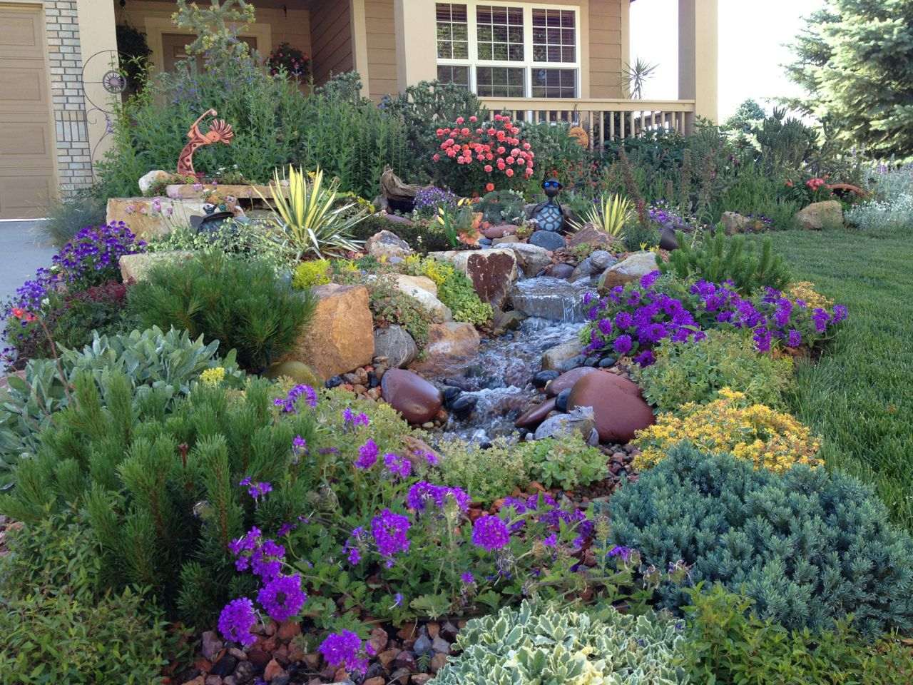 Landscaping in winter for Low maintenance winter plants
