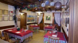 osteria tipica, cucina casereccia, locale tradizionale