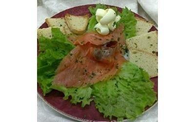 Salmone con crostini Piccolo Mare