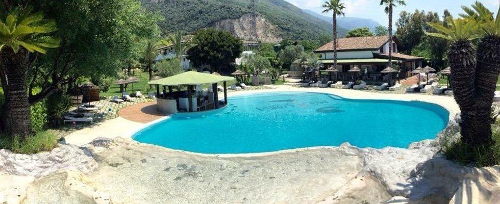 beach club con piscina