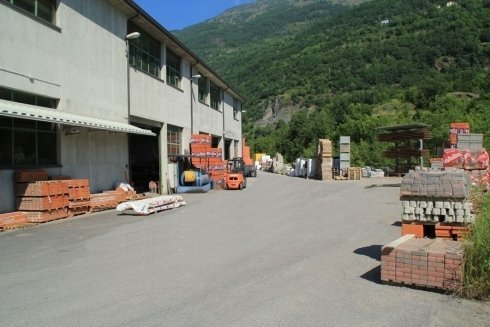 magazzino deposito materiale edile