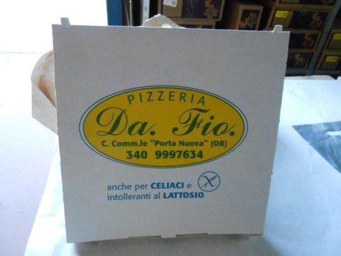 Contenitore in cartone per pizze e alimenti