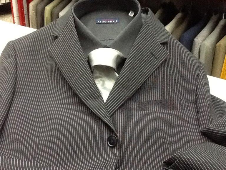 completo con giacca a righe