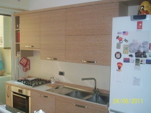 Cucina integrata di legno