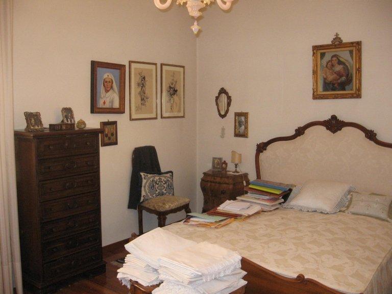 camera da letto matrimoniale stile antico
