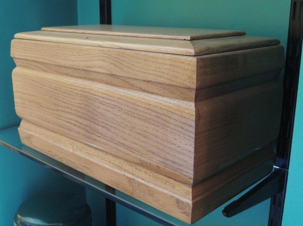 urna in legno opaco
