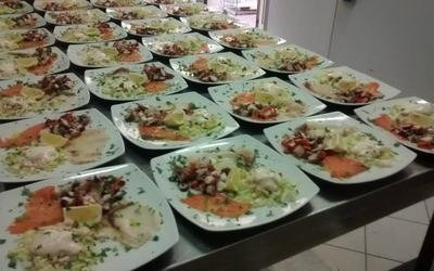 serie di piatti a base di pesce fresco