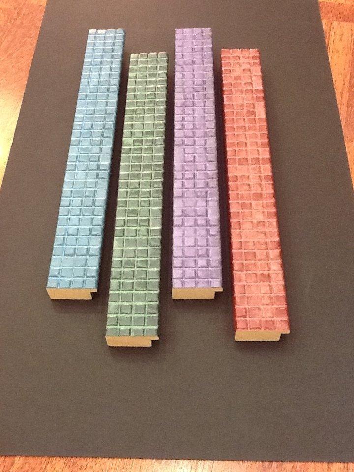 cornici legno color pastello