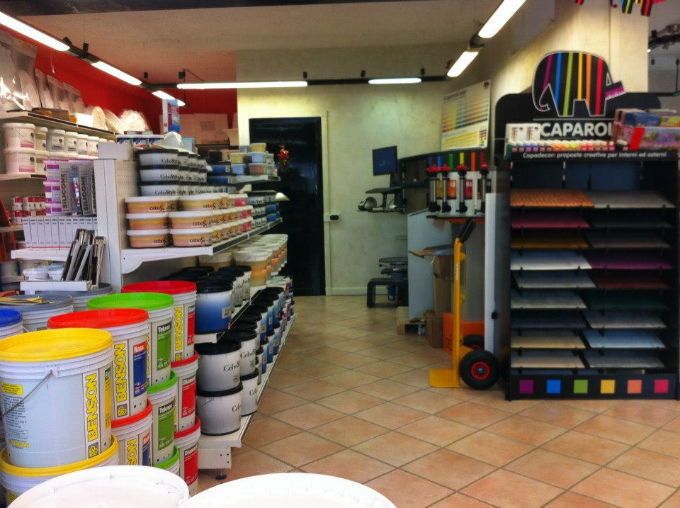 negozio che vende pitture per interni