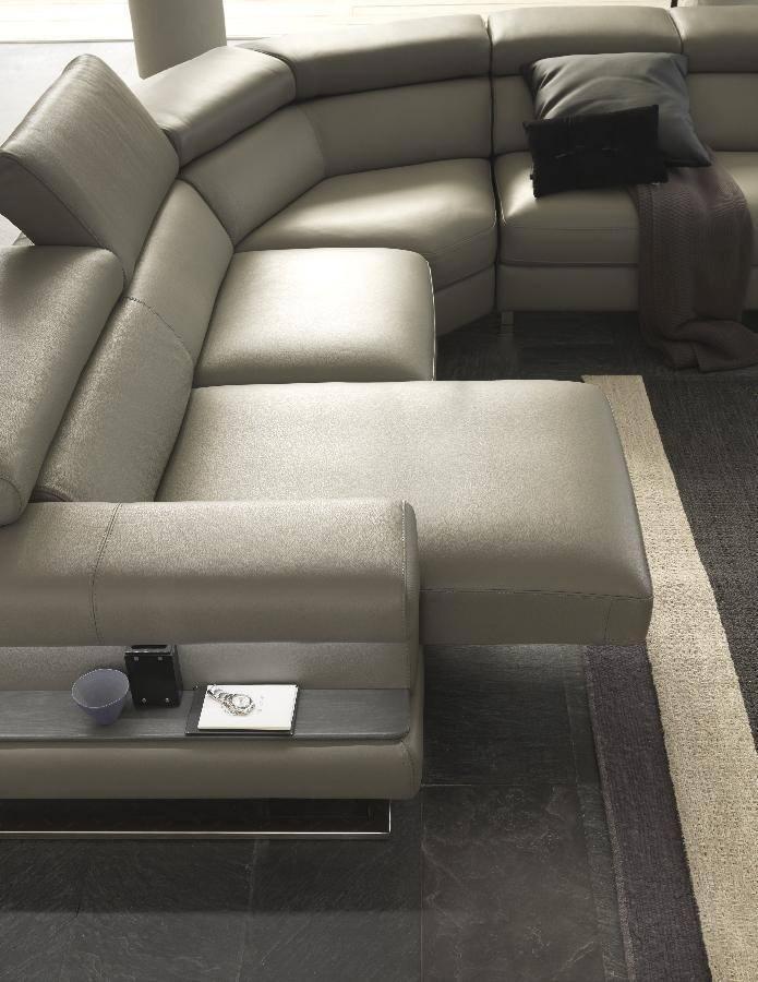divano in pelle elegante