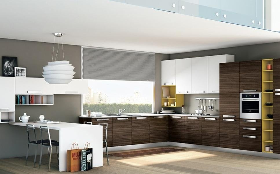 cucina compresa di elettrodomestici