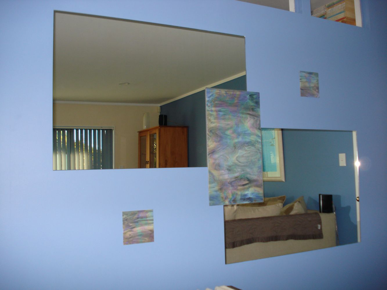 View of the mirror installed in the wall