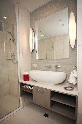 Glass installation and repair auckland united glass - Replacement bathroom mirror glass ...