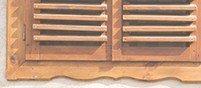 Finestra di legno e controfinestra che sono state verniciate