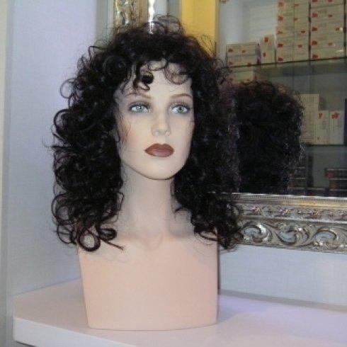 messa in piega di parrucche, soluzioni personalizzate