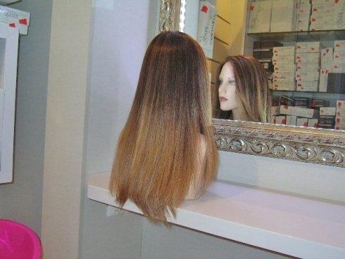 Parrucca castana chiara
