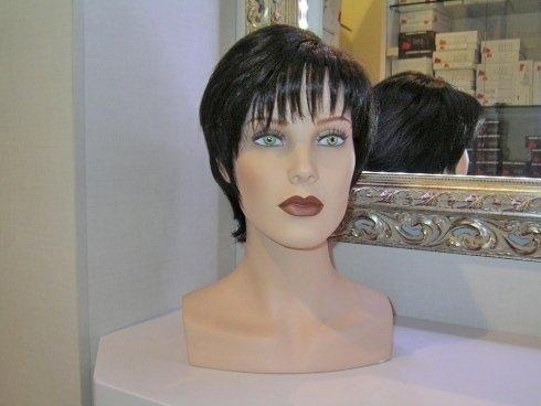 parrucche per il cinema, parrucche per l'alopecia, parrucche per lo spettacolo